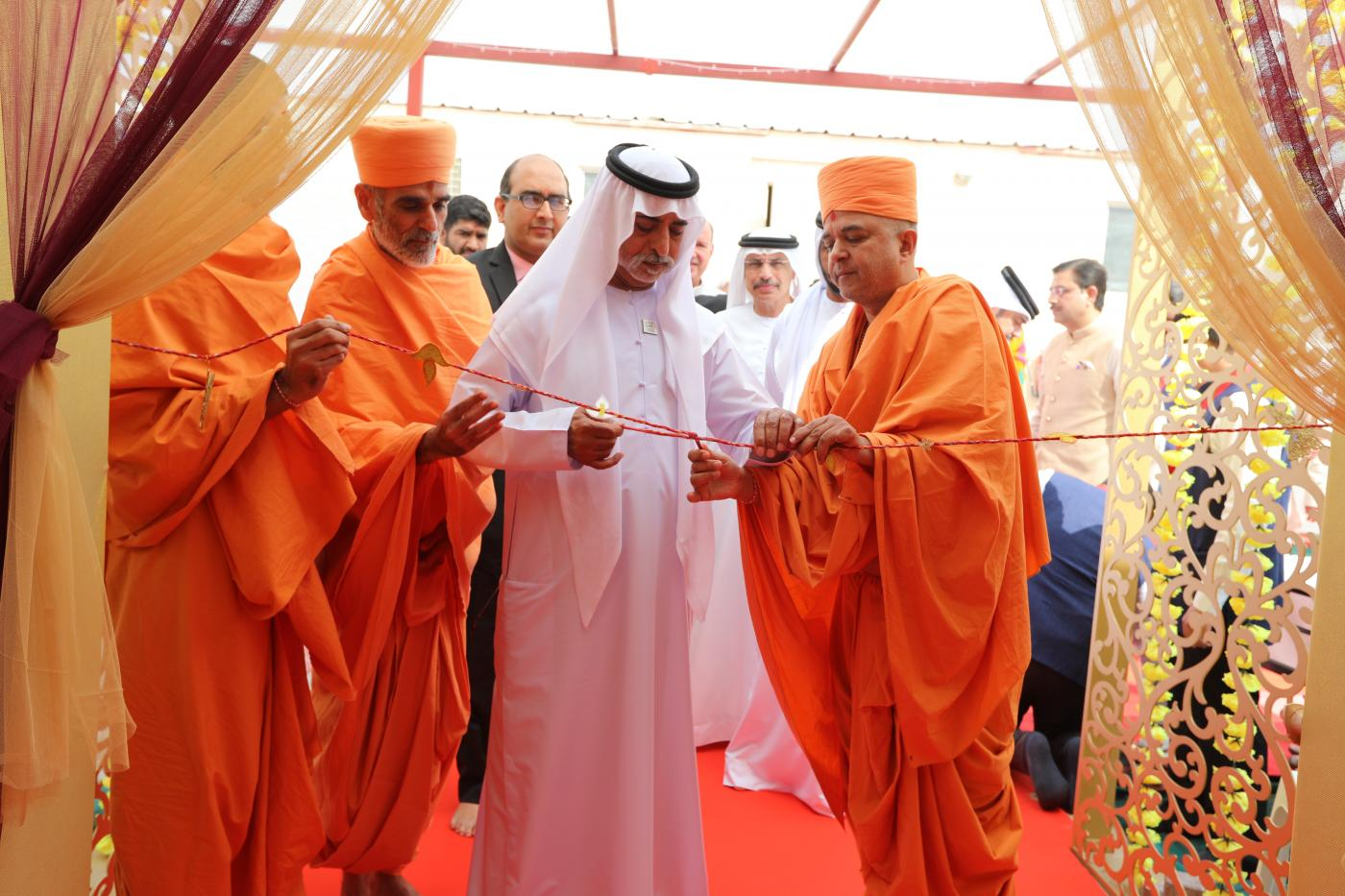 Hindu festival of Diwali-Annakut 2019 was inaugurated by His Excellency Sheikh Nahayan Mabarak Al Nahayan, Cabinet Member and Minister of Tolerance on Friday, November 1, 2019 at 10.45 a.m. on the site of the upcoming BAPS Hindu Mandir in Abu Murreikah