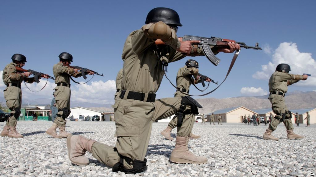 100s of unemployed youth joining Afghanistan Army and National Police