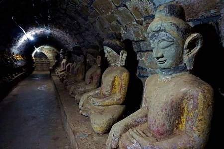 Shitthaung is a famous temple in Mrauk-U. The name means temple of 80,000 Buddha images