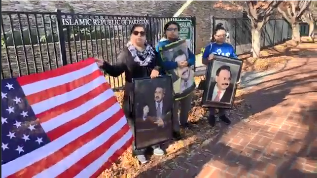 Protesters holding US Flag and Picture of Mohajir Leader Altaf Hussain